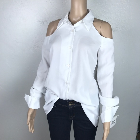 9818a032587b7 NWT off shoulders white button down blouse stained